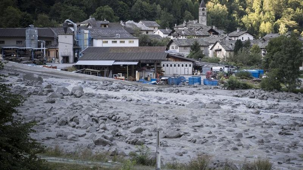 Eight people missing after Swiss landslide