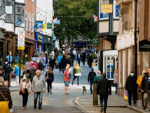 ]Shrewsbury High Street has remained busy during the coronavirus pandemic, giving businesses growing confidence