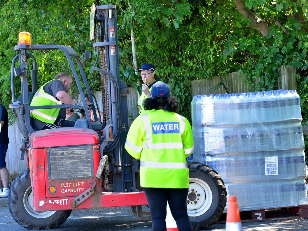 More bottled water handed out as severn trent encourages - What uses more water bath or shower ...