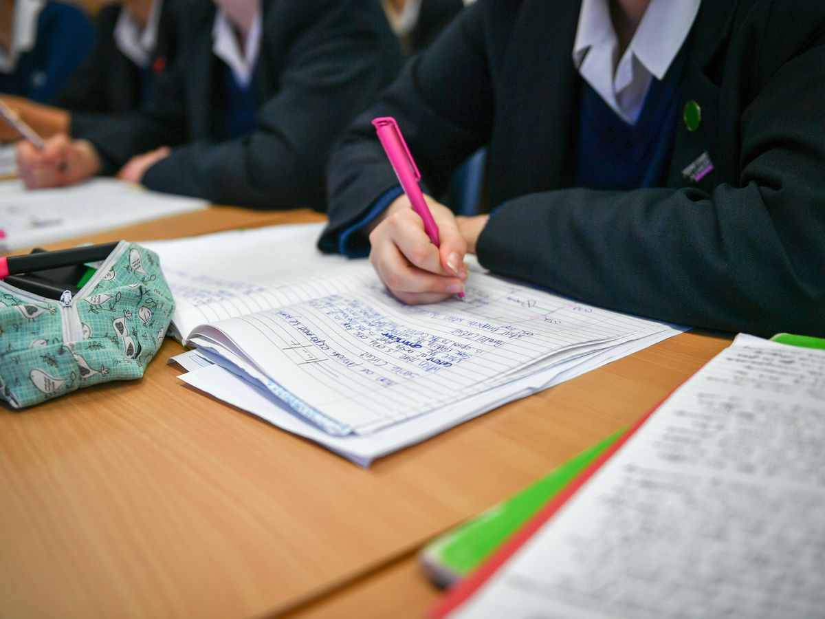 Secondary schools will not reopen until mid January, says Williamson