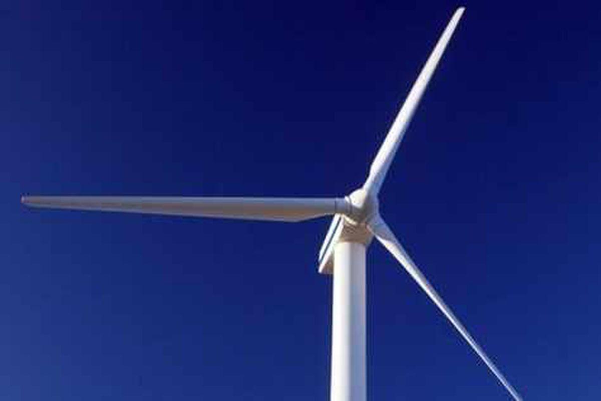 Hundreds attend Newtown wind turbines meeting