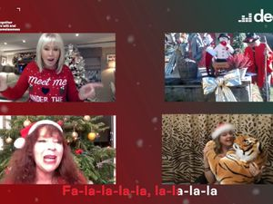 Famous Carols sing Deck The Halls