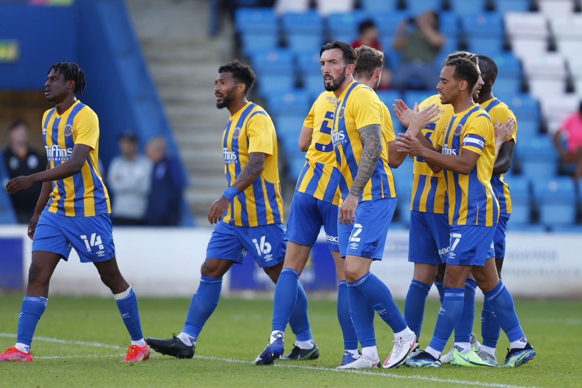 Ryan Bowman of Shrewsbury Town celebrates with his team mates after scoring a goal to make it 1-1. (AMA)