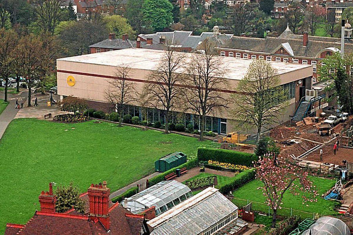 Shrewsbury's Quarry swimming pool