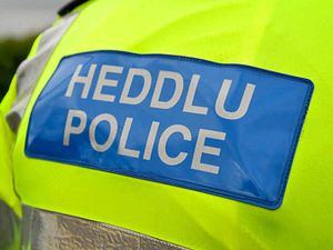 Police officer fined 19-year-old for Covid breach then asked her out for coffee