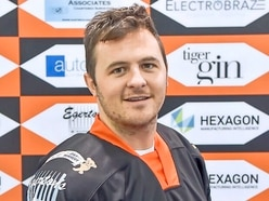 Andy McKinney signs to remain with Telford Tigers