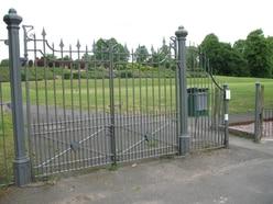 Gang beats and kicks gay couple in Whitchurch park