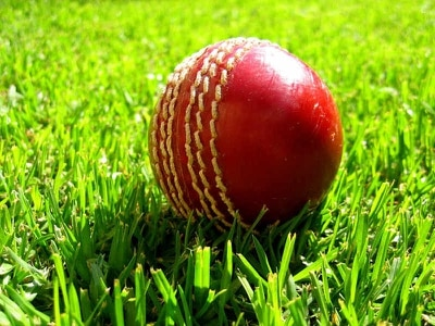 Worcestershire thrashed by 10 wickets