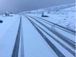 Travel warning issued on snow-hit Horseshoe Pass