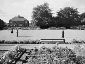 nostalgia pic. Wellington. Bowring Park in Wellington in October 1966. This is a print in the Shropshire Star picture archive and variously written on the back is 'Wellington Bowling Green' and Bowring, Haygate Road,' and 'October 1966'. The print has an Express and Star copyright stamp but no photographer information. Wellington park. Parks. Library code: Wellington nostalgia 2020..
