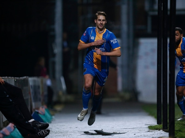 Dave Edwards urging Shrewsbury Town: Seize the moment
