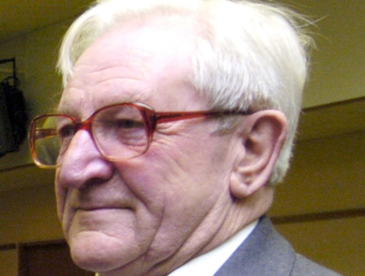 Veteran Ludlow reporter dies aged 92 - shropshirestar.com