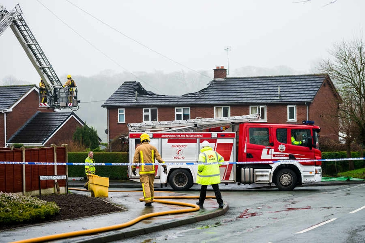 Pictures And Video 30 Firefighters Tackle Blaze Which