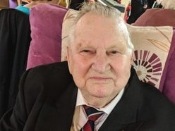 Former Telford RAF man Ralph, 92, delights pen pals with his tales