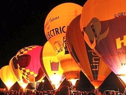 What goes up...It's a wrap for Oswestry balloon fest - with video