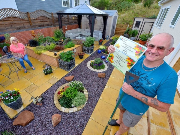 Award for green-fingered Bridgnorth gardener - with pictures and video