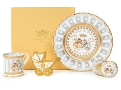 Official royal baby souvenirs feature unicorn and lion cub