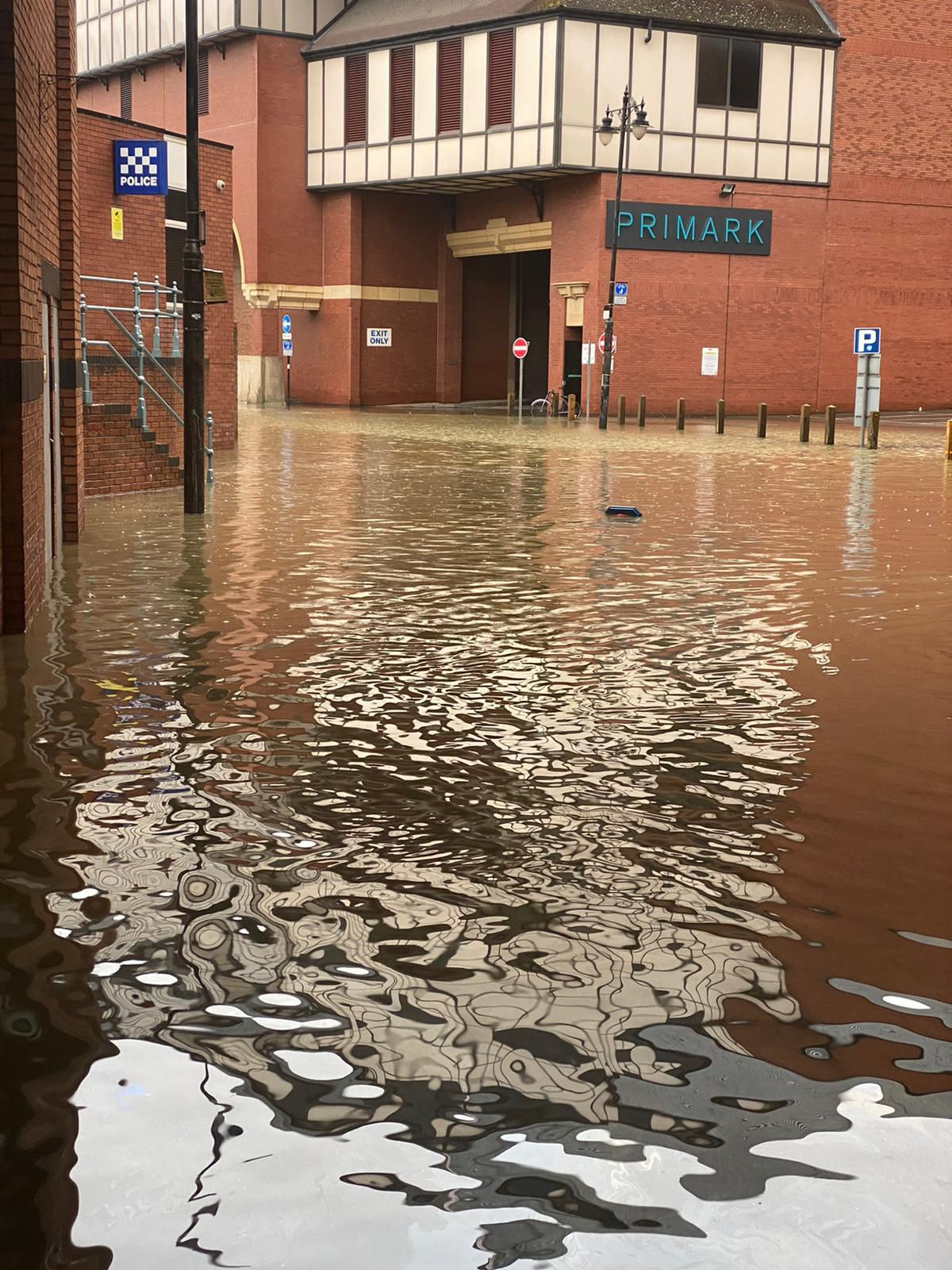Flooding in Shrewsbury. Photo: @ShrewsburyCops