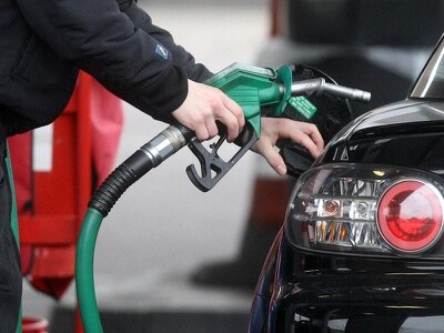 Inflation drops as petrol prices fall
