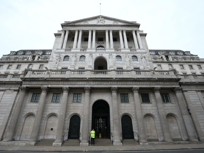 Bank of England holds rates as it predicts unemployment jump