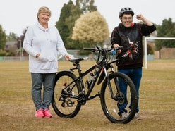 Community buys bike for litter picker after receiving nearly £400 in donations