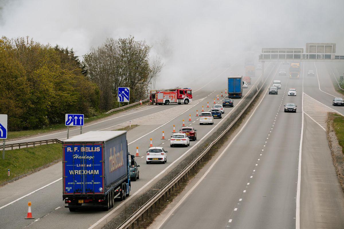 Smoke and lane closure on the M54