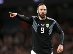Gonzalo Higuain silent on Chelsea speculation