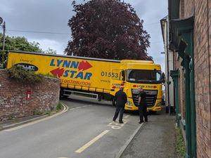 The lorry became stuck as it turned into Welsh Street from Castle Street