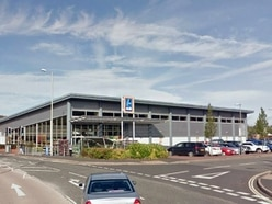 Shoppers steal trolley full of goods from Aldi in Ludlow