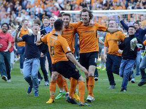 Kevin McDonald of Wolverhampton Wanderers celebrates (AMA)