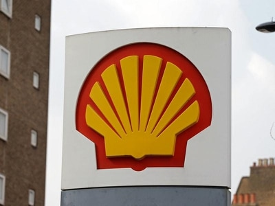 UK agrees to further talks over disposal of old Shell oil rigs