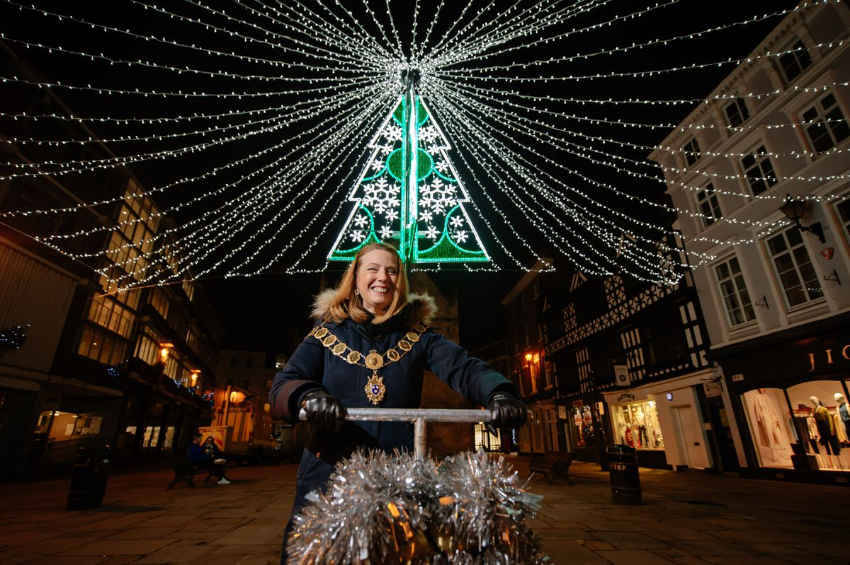 Shrewsbury Mayor Gwen Burgess at the lights switch-on