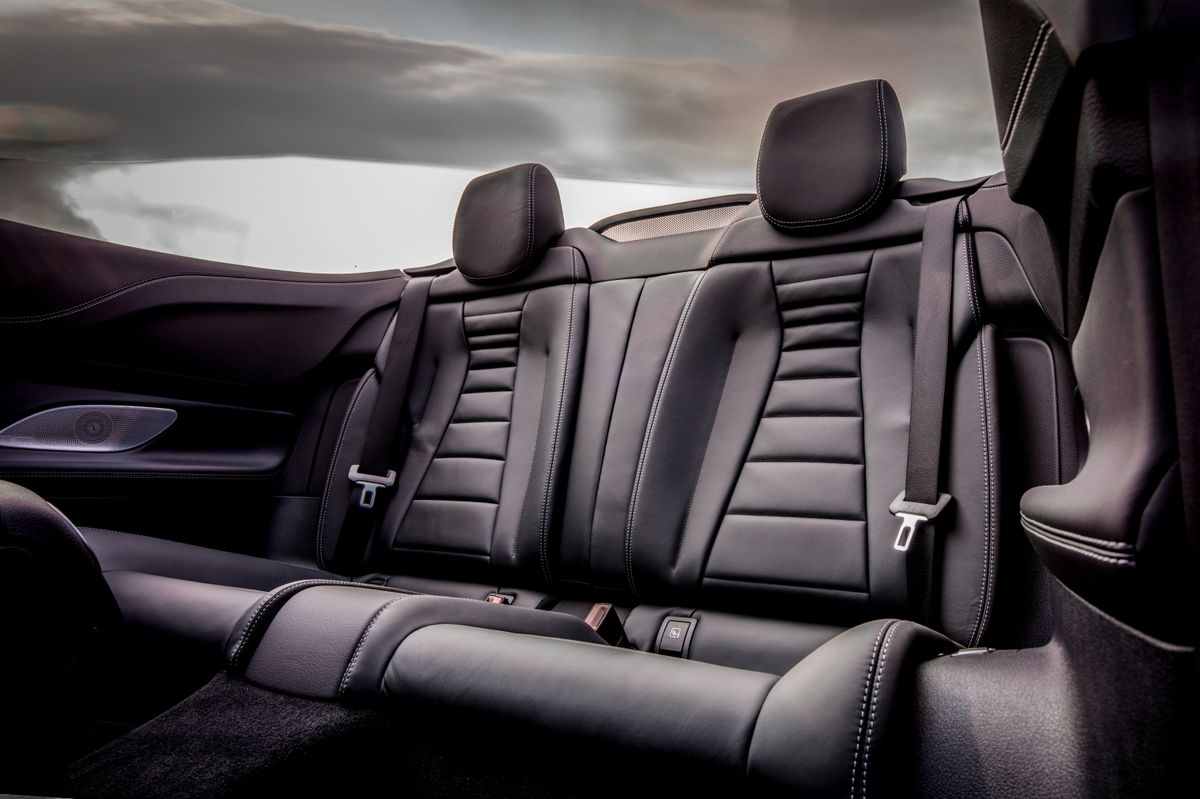 The leather full-size rear seats with loading tunnel between