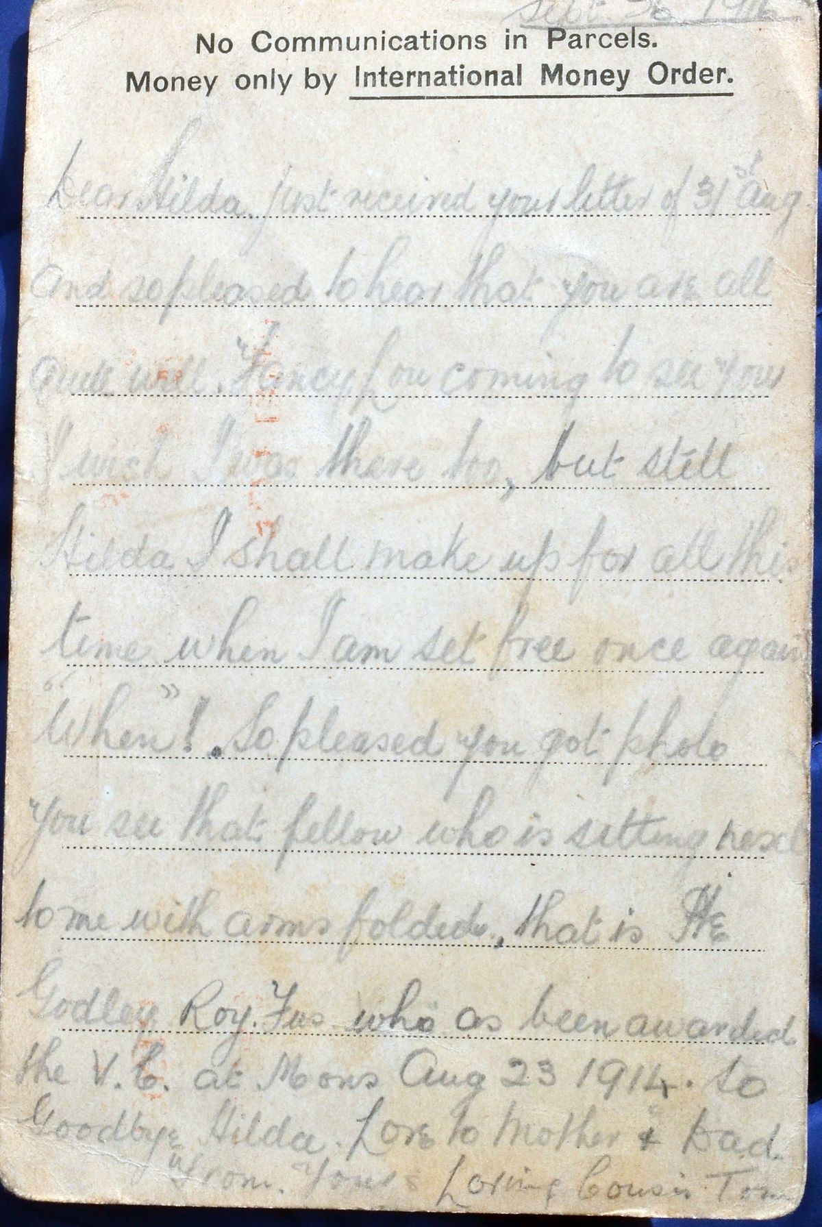 In this card from September 1916 Tom tells how he is rubbing shoulders with a winner of the Victoria Cross.