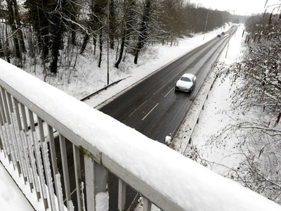 Shropshire and Mid Wales schools shut after weekend snow - see the list