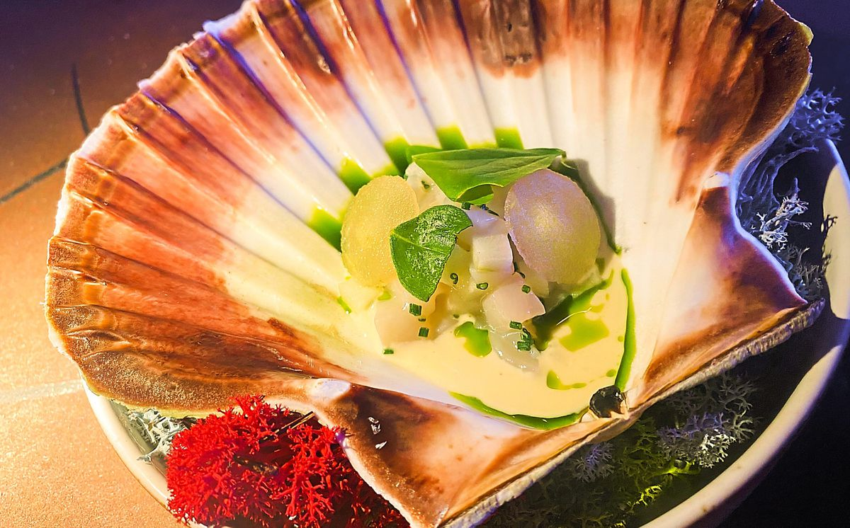 Scallop and apple