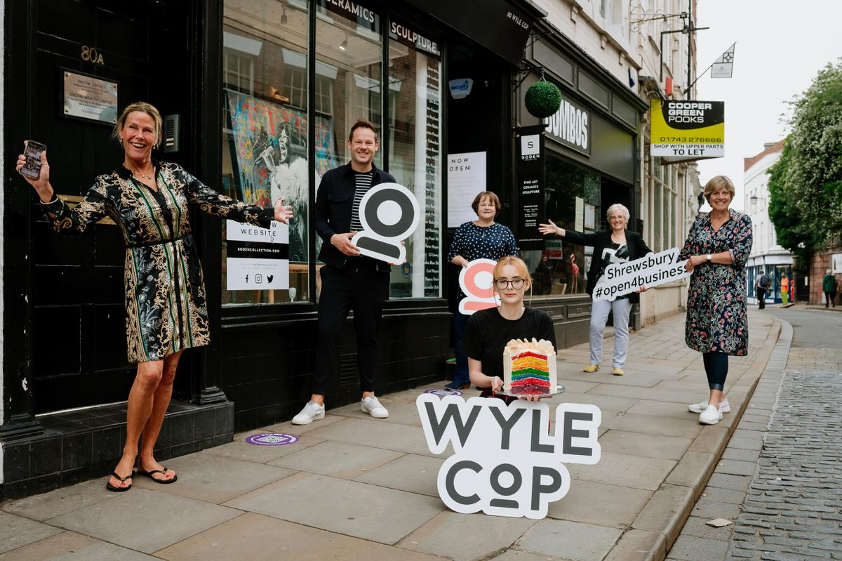 Traders in Wyle Cop are welcoming late night shoppers before lockdown