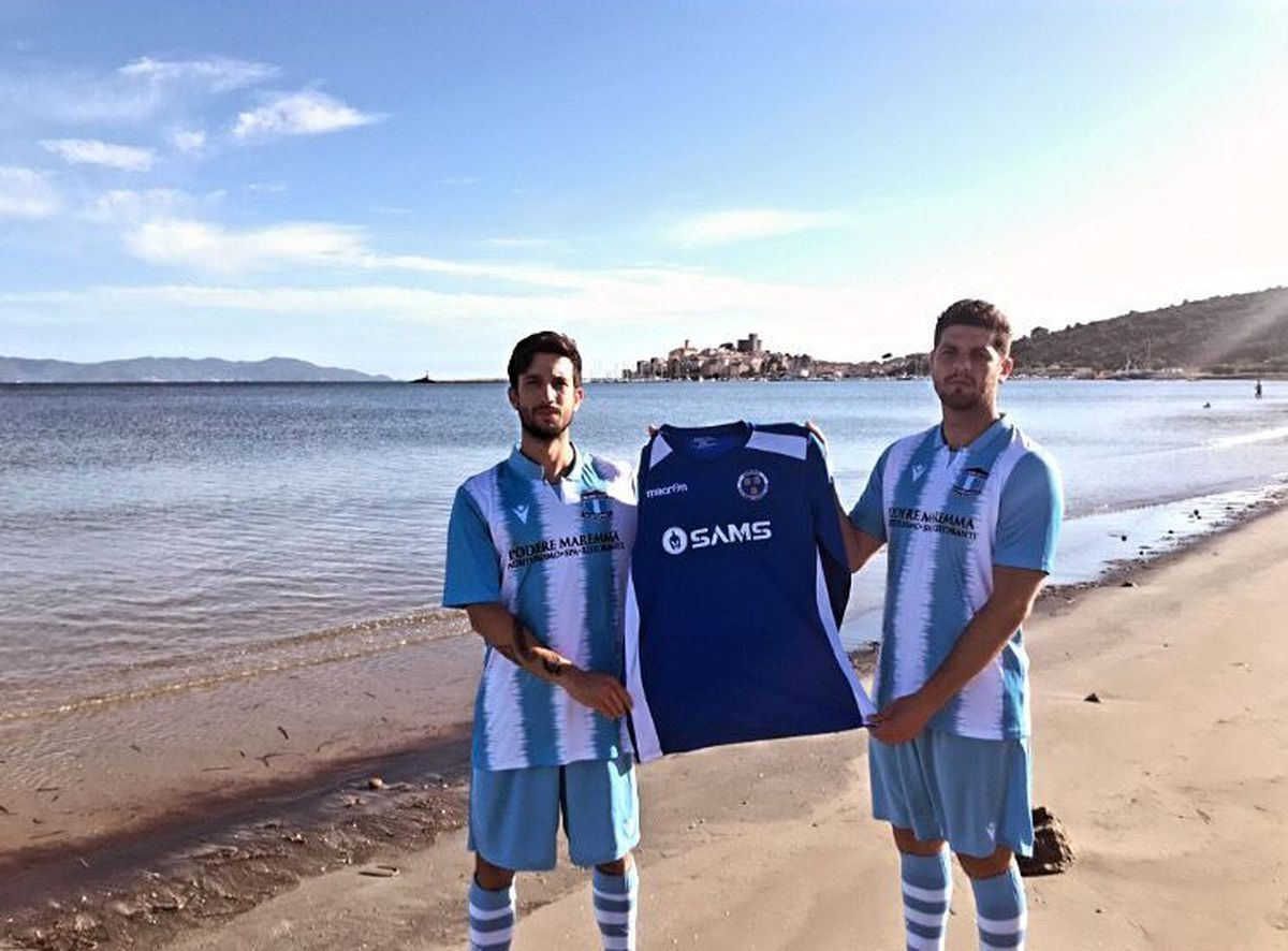 Talamone players show off the Up & Comers shirt in stunning scenery