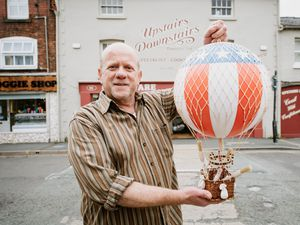 BORDER COPYRIGHT SHROPSHIRE STAR JAMIE RICKETTS 18/08/2021 - Pre-Pic for Oswestry Balloon Fest...... In Picture: Yossi Gilksman from Upstairs Downstairs..