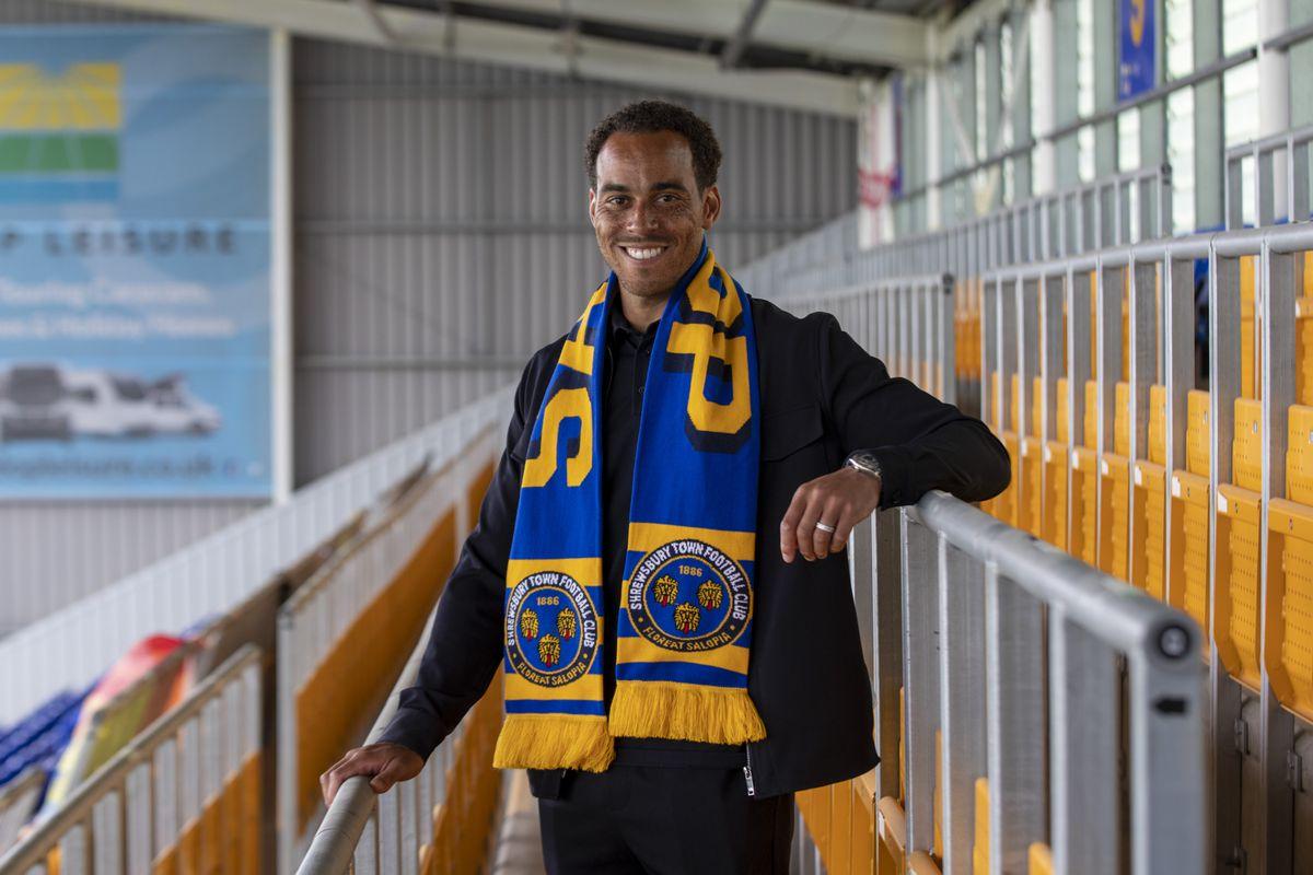 Shrewsbury Town unveil new signing Elliott Bennett (Picture: AMA)