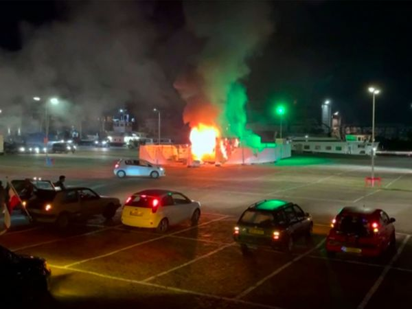 A Covid-19 testing centre is set on fire in Urk