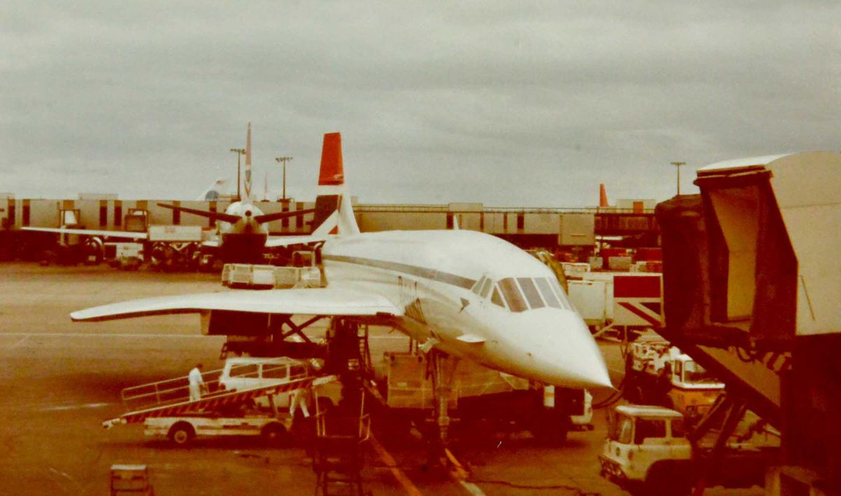 Sue Adams' picture of Concorde at Heathrow shortly before take-off