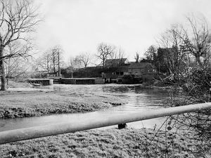 nostalgia pic. Allscott. Allscott Mill in January 1975. This is a print in the Shropshire Star picture archive. It has the Telford Journal copyright stamp and the photographer's date is 24.1.75., i.e. January 24, 1975, which will be when taken. The photographer was Michael Hunt. Mills. Library code: Allscott nostalgia 2020..