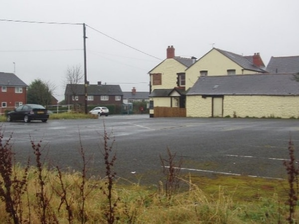 Housing plan behind pub near Oswestry is approved