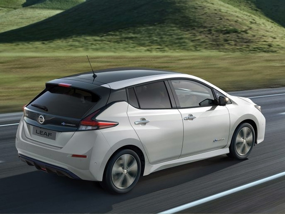The Nissan Leaf Is Uk S Most Por Entirely Electric Car Photo