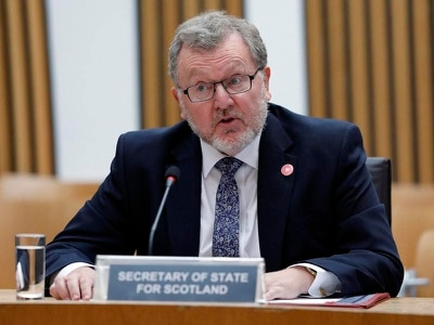Mundell 'did not threaten to quit' over Brexit deal