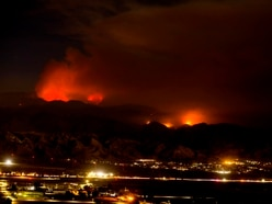 Thousands remain evacuated from southern California wildfire