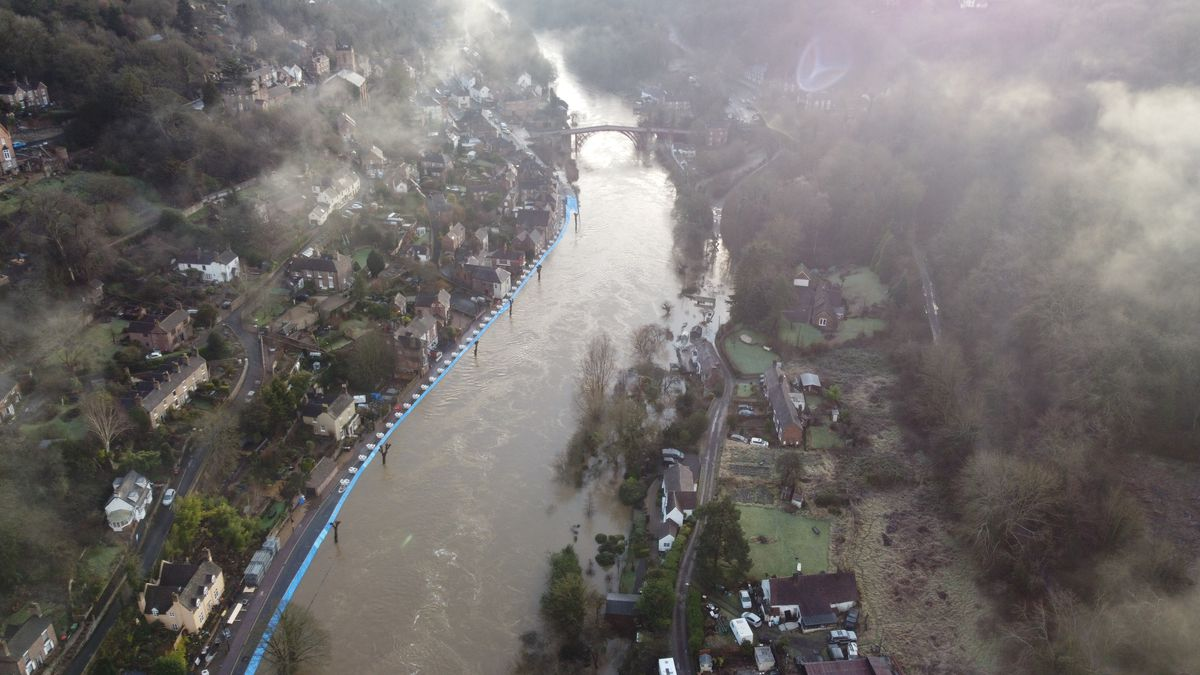 Aerial view of the flooding in Ironbridge, taken by @telfordultimate