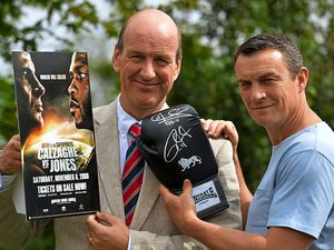 Special boxing glove to aid Liam appeal