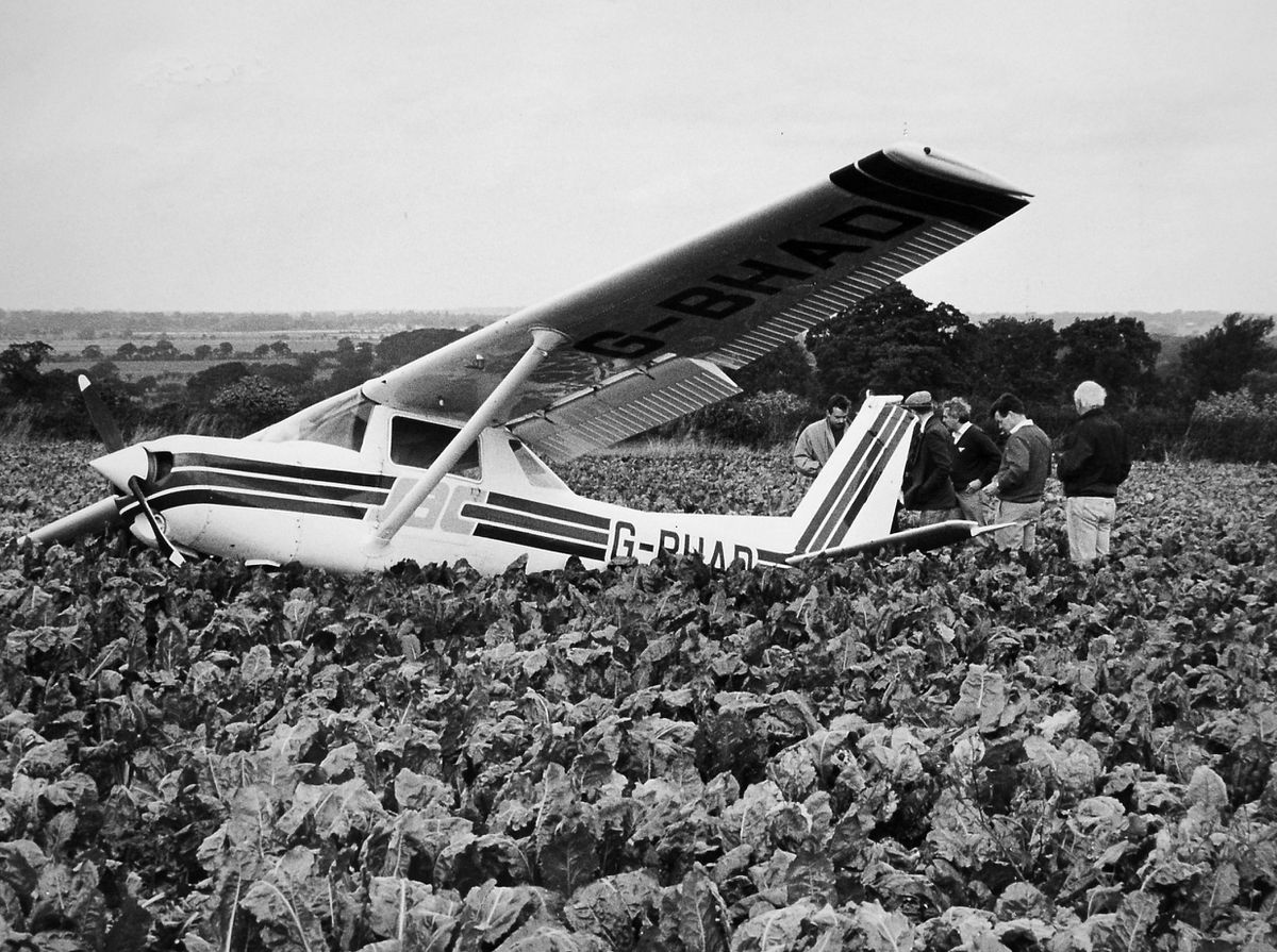 Stuck in the Myddle... This light aircraft with a student pilot at the controls force landed in a field of sugar beet near Myddle in the autumn of 1988. The pilot of the plane, which had taken off from Sleap airfield, escaped unhurt, but the aircraft suffered some damage, and the sugar beet can't have been very happy either.